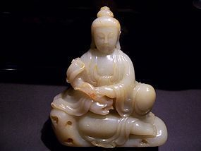 A Fine Carved Jade Guanyin, late 19th- early 20th cent