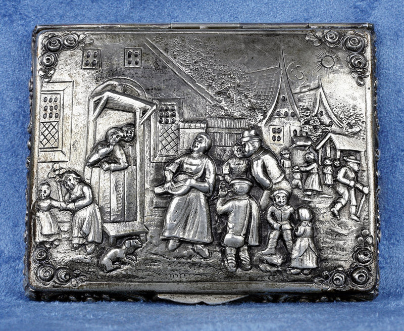 German Repoussé Stamped 800 Silver Cigarette Box with Gilt Interior