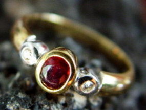 2-Tone Solid 18K. Gold Ring with Ruby &  Diamonds