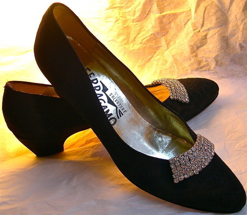 NWOB Ferragamo Black Fabric Leather Shoes Vintage Clips