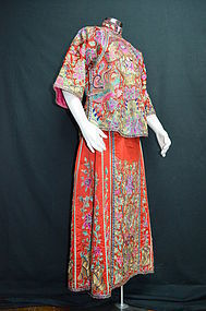 Chinese embroidered red wedding robe & skirt