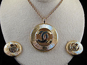 Chanel Cc Logo Necklace And Earring Set