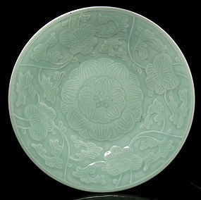 19TH C LATE QING CELADON FLORAL PORCELAIN CHARGER