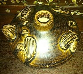 Song Brown glaze frog vessel