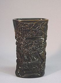 CHINESE HORN CARVING OF A SMALL VASE OR CUP