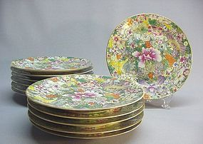A SET OF TWELVE CHINESE FAMILLE ROSE PLATES