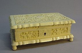 CHINESE EXPORT CARVED IVORY JEWELRY BOX