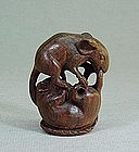 JAPANESE CARVED WOOD NETSUKE OF TWO MICE