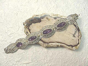 CHINESE AMETHYST AND SILVER BRACELET