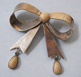 Mexican Sterling Bow Pin, c. 1950