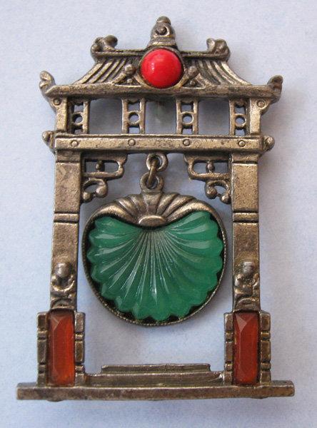 Art Deco 'Pagoda' Pin, c. 1925