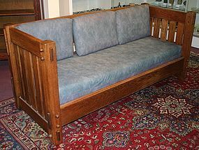 Arts and Crafts oak settle, c.1910