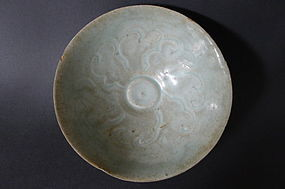 A rare northern Song Dyn. foliate Qingbai glazed bowl