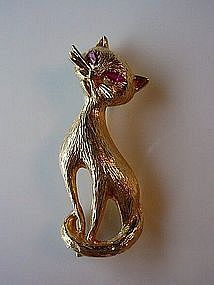 14K YELLOW GOLD CAT BROOCH RUBY EYES