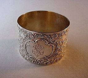 800 SILVER VICTORIAN NAPKIN RING RAISED FLORAL DESIGNS