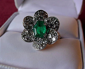 EMERALD PLATINUM DIAMONDS DINNER RING