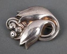 GEORG JENSEN STERLING PIN #100 2 TULIPS & BERRIES