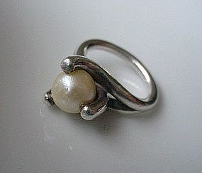 MEXICAN JEWELRY SIGNED ANTONIO STERLING & PEARL RING