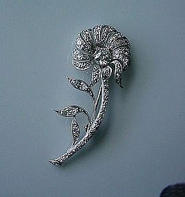 BEAUTIFUL PLATINUM & DIAMONDS FLOWER BROOCH ca. '25-'40