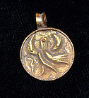 AN ANCIENT ROMAN GOLD PENDANT