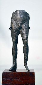 AN ANCIENT ROMAN BRONZE NUDE MALE FIGURE