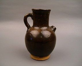 A Black Glaze Water Dropper