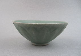 A Fine Southern Song Longquan Celadon Lotus Bowl