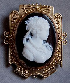 Victorian Gold-Mounted Hardstone Cameo Brooch, signed