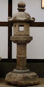 Stone Lantern Ishi-doro Granite pre-Edo 15/16 c.