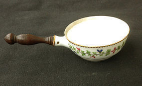 Small pot, a French poêlon, in the Cornflower pattern, 18th century