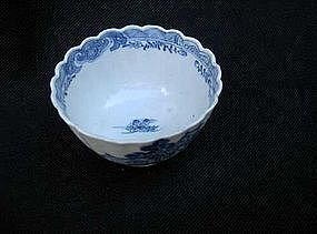 Chinese Export blue and white tea bowl