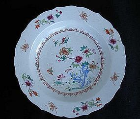 Famille Rose plate with foliated rim