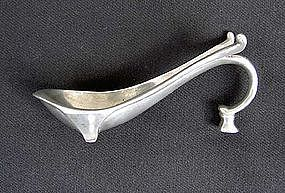 Pewter Déco style pipe rest