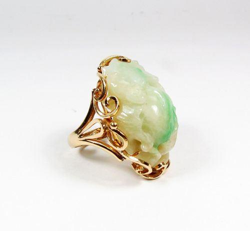 Huge vintage 14k gold carved jade ring