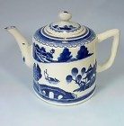 Chinese Export Canton Porcelain Teapot