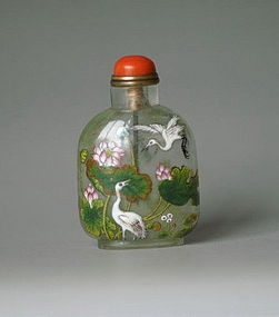 Early qing dynasty qianlong glass snuff bottle