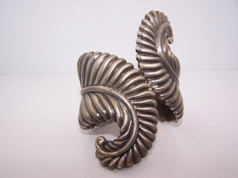 Los Castillo Vintage Mexican Silver Fern Clamper