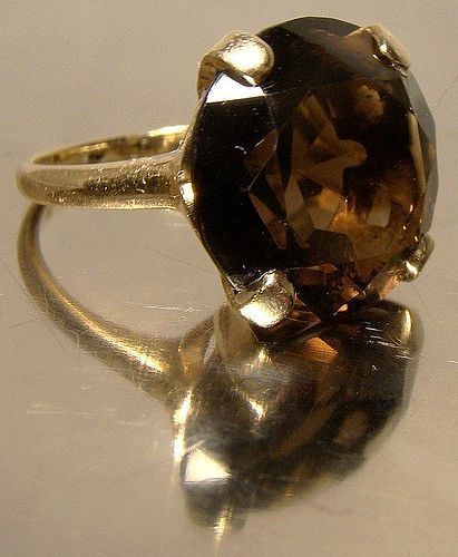 Nice 10K YELLOW GOLD SMOKY TOPAZ RING