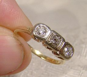 14K TRIPLE DIAMONDS ROW RING c1915-20