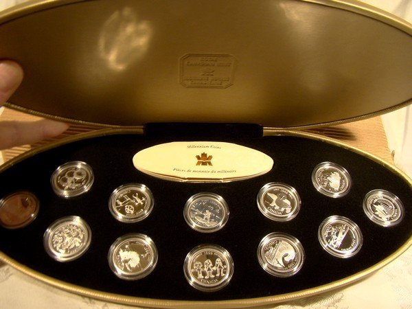 CANADA 1999 MILLENNIUM 25 Cent COIN SET CASE BOX