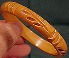CARVED YELLOW BAKELITE BANGLE c1930s