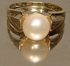 14K LARGE SINGLE PEARL RING c1960s