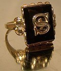 Vintage and Fine 10K ONYX S INITIAL RING