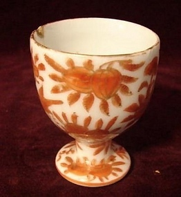 C.1880 CHINESE EXPORT SACRED BIRD/BUTTERFLY EGG CUP