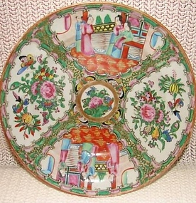 C. 1870 CHINESE EXPORT PAIR OF SOUP PLATES