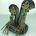 1970s Quatrefoil Green Stone Tassels French Earrings