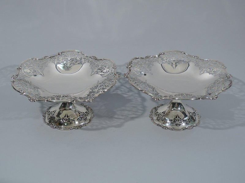Pair of Edwardian English Sterling Silver Compotes 1904