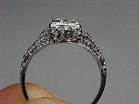 Platinum and Diamond Filigree Ring From the 1920s
