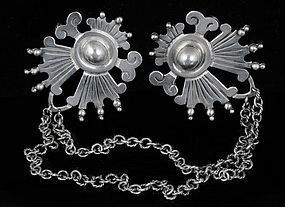 VICTORIA MEXICAN SILVER DOUBLE BROOCH SWEATER GUARD