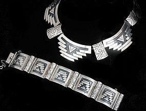 AEM MEXICAN SILVER Victoria design PYRAMIDS NECKLACE